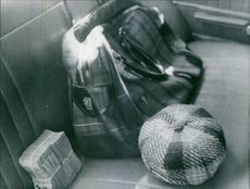 A part of the total of seventeen million Lire prey. In foreground the amount of one million of Lire in banknotes of one-thousand Lire each. 1972.