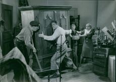 """A scene from the film """"Faster's Millioner"""", 1934."""