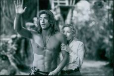 Still of Brendan Fraser and Leslie Mann in George of the Jungle.
