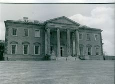 1979 View of Broadlands, the stately home of Admiral of the fleet Louis Mountbatten of Burma.