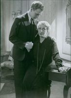 Bjorn Berglund and Pauline Brunius in the film Karl Fredrik regerar, 1934.