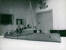 Model of a ship at the Maritime Museum