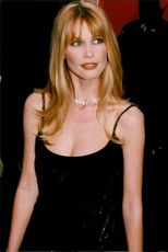Claudia Schiffer at the 1998 Oscars