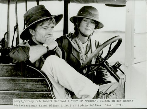 "The actors Robert Redford and Meryl Streep in the movie ""My Africa"""