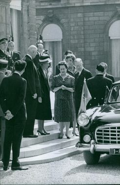 Charles de Gaulle is about to ride the vehicle.