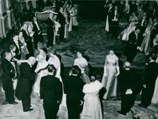 The Princesses Sibylla, Margaretha, Birgitta and Désirée greet the guests of the White Sea