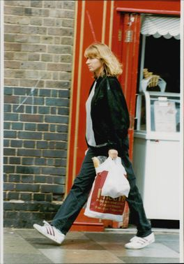 Steffi Graf is shopping for food within Wimbledon