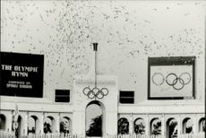 OS in Los Angeles 1984. 2500 pigeons fly over the arena at the opening ceremony