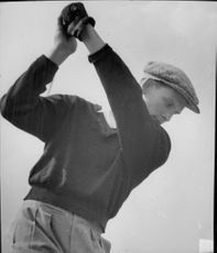 Portrait of golfer Gustaf Adolf Bielke in action