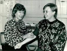 Mrs. Wendy Savage with Mrs. Jeannette Hunt.