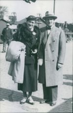 Brita Hertzberg and Einar Beyron standing together on the street.