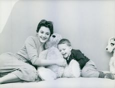 Rossana Podestà at home with her three years old son, Stefane.