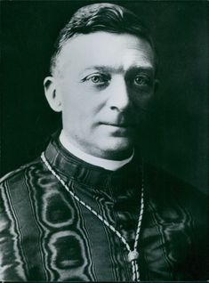 Photo of Cardinal Achille Lienart.