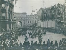 The soldiers in a parade during the WWI.