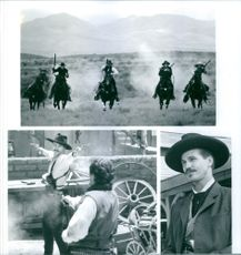 """Kurt Russel and Val Kilmer in the movie """"Tombstone"""" 1993"""