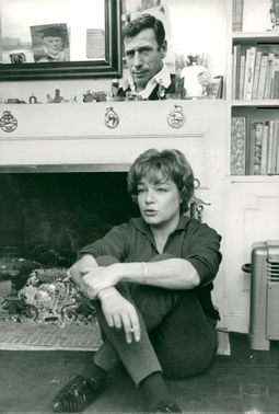 Simone Signoret in his home