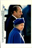 Queen Elizabeth and President Jacques Chirac at the Arc of Triumph on Memorial Day of the Last Day of the First World War
