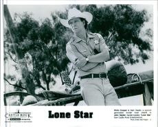 A photo of Chris Cooper in the 1996 film Lone Star.
