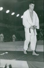 Anton Geesink in a karate uniform.