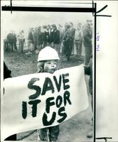 Young Picket outside Annesley Colliery.