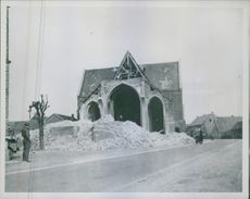 Retreating Nassis turned Dutch church into Rubble.