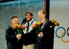 Medalists in Puckelpist; Janne Lahtela, Silver, Jonny Moseley, Gold, and Sami Mustonen, Bronze. Gold medalist from the USA, others from Finland.