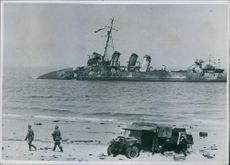 An Anglo-German warship destroyed by us from the dark.