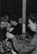 The crown princess Louise arrive at the Red Cross Samaritans Christmas market. - 27 November 1944