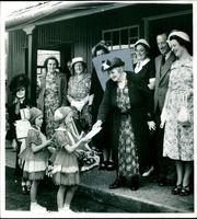 Mrs Edwin G. Gooch with the people.