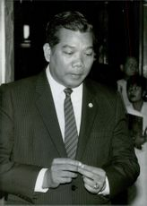 Samak Sundarajev, Leader of the Prachakorn Thai Party, and Minister of Commerce in the government of General Prem Tinsulanonda. 1986.