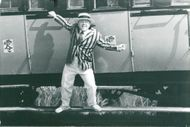 """Mickey Rooney under the recordings of the James Bond movie """"Hong Kong with love"""""""