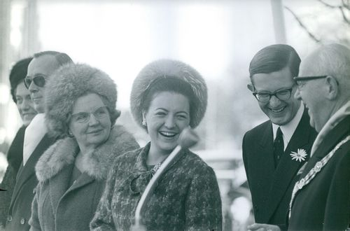 Princess Margaret, smiling, with other royalties.