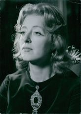 A photo of Evelyn Anthony, 1972.