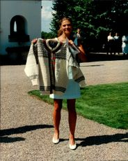 Crown Princess Victoria received a honorable lusekofta in a 20th birthday present at the celebration at Solliden.