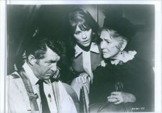 """A scene from the movie """"Airport"""", with Dean Martin as Vernon Demerest, Jacqueline Bisset as Gwen Meighen and Helen Hayes as Mrs. Ada Quonsett, 1970."""