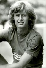 Portrait picture of tennis player Hans Simonsson taken in an unknown context.