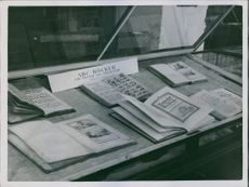 A open ABC books in the table, 1933.