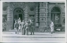 A group of soldiers at front of Hotel Kamp in Finland during Winter War, 1941.