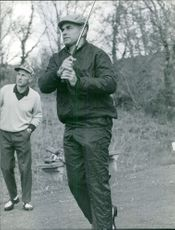 Chaban Delmas Jaques is playing golf with other person, 1967.