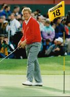 Golf player Colin Montgomerie at the 18th hole in the Ryder Cup in 1993
