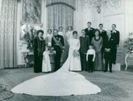 Family photo at wedding of Princess Margriet of the Netherlands and Pieter van Vollenhoven