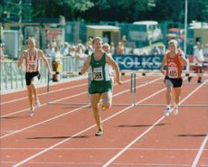 Niklas Eriksson runs 400 meters.