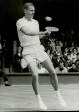 Ulf Schmidt, tennis player in action