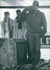 Polisario leaders Mohamed Abdul Aziz is showing his respect