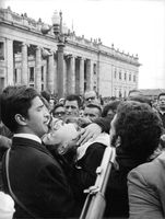 People gathered for Pope Paul VI.