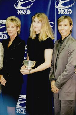 Tennis players Chris Evert, Steffi Graf and Martina Navratilova receive prize for their achievements in the WTA Tournament