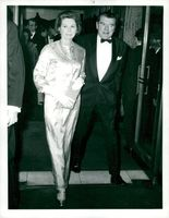 """Jack Hawkins at the premiere of """"Casino Royale"""" with his wife"""