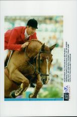 Franke Sloothak dropped off his horse during the jump competition and injured his arm so hard that he had to break the OS.