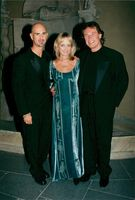 The actress and the model Twiggy with the husband and Michael Bindefelt