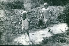 Prince Albert II's children playing.